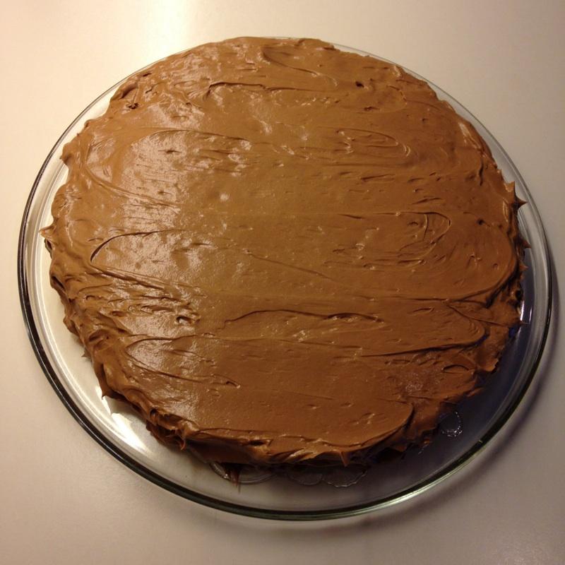 Enkel og god sjokoladekake med mandelbunn
