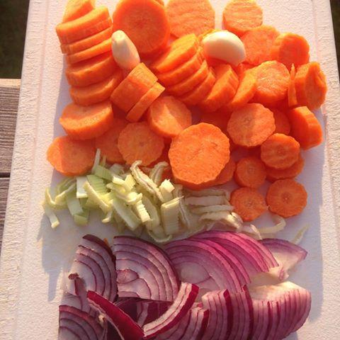ostegratinerte gulrøtter ingredienser