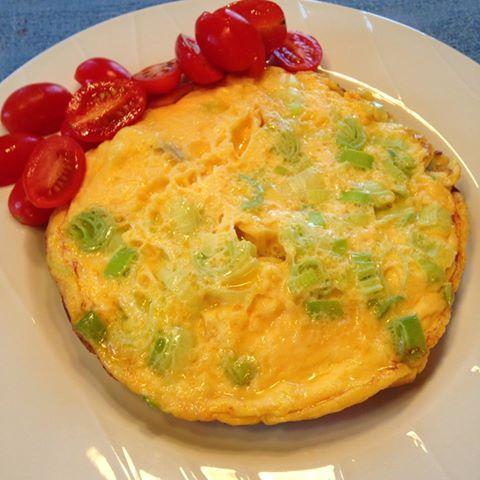 omelett med stekte fenalårbiter
