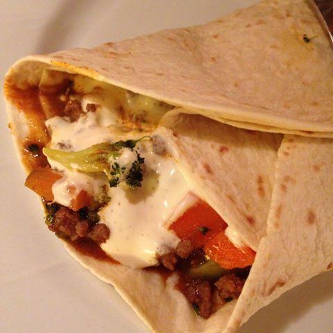 taco med broccoli og gulrot i lefse