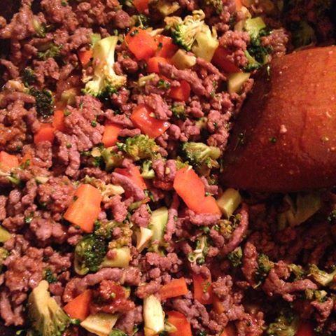taco med gulrot og broccoli i gryte