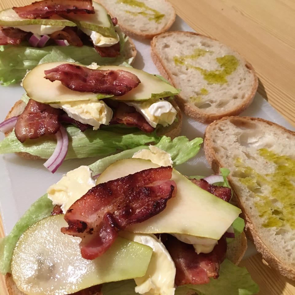 sandwich på brett